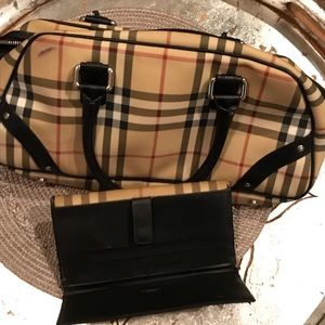 *Authentic* Burberry Purse with Wallet